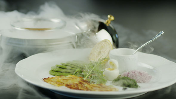 VideoHive Chef Serving Dish with Fish Fillet 5531120