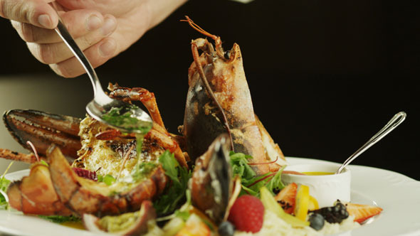 VideoHive Chef Serving Lobster Dish in Luxury Restaurant 5531371