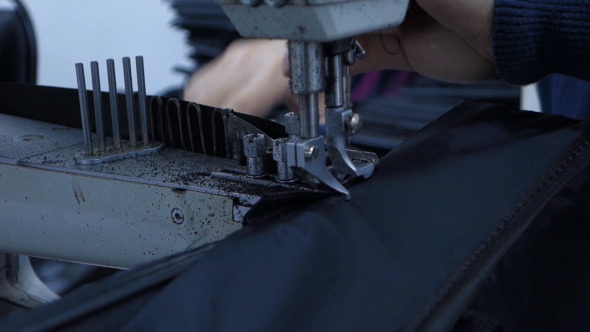 Sewing Machine With Threading