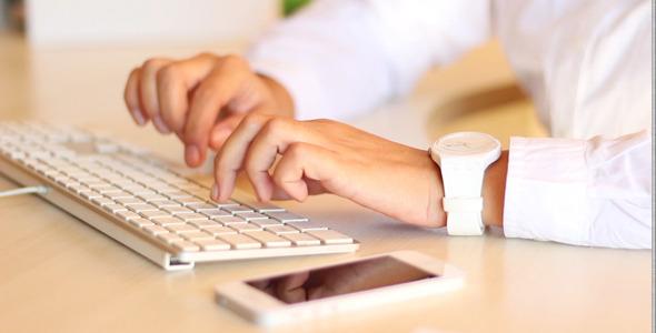 Using Apple Keyboard