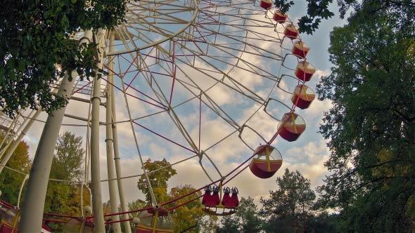Ferris Wheel Time Lapse Shot