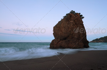 Rock islet known as 'Illa roja