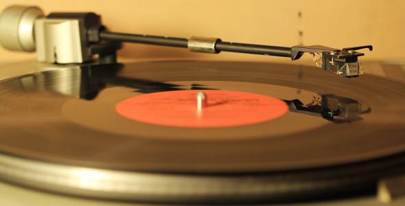 Turntables Vintage Emotion With Vinyl