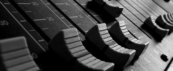 Mixers-audio-mixer-table-studio-309487