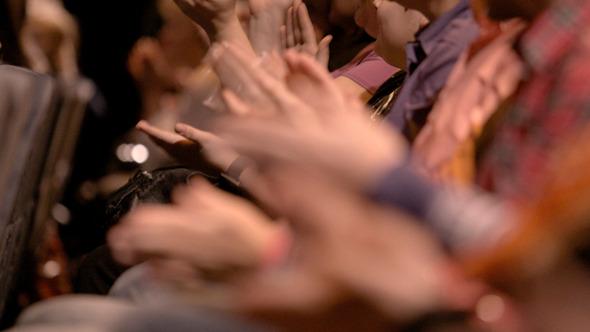 People Applauding 4 - 1