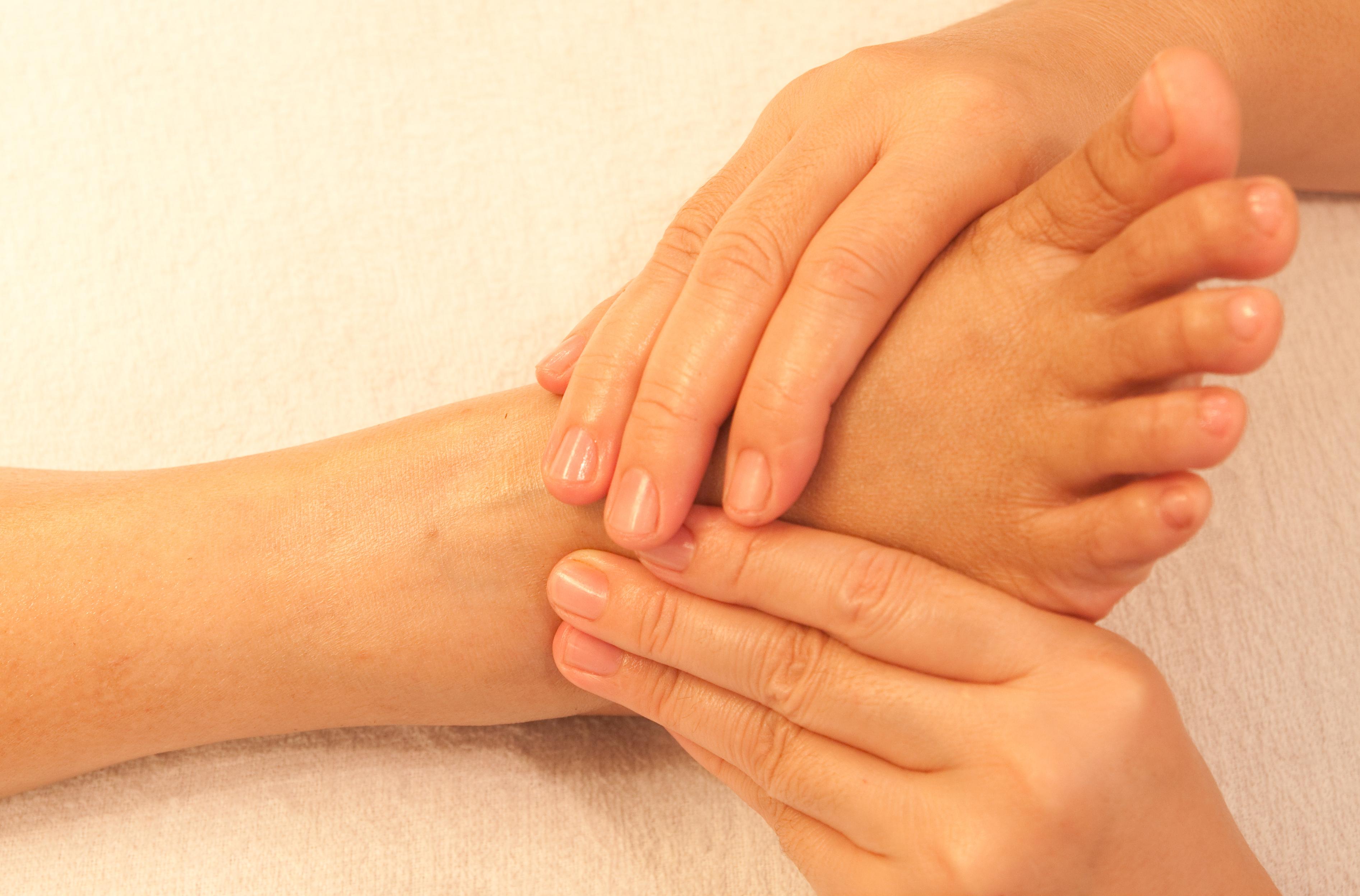 foot reflexology traditional massage decbffbce
