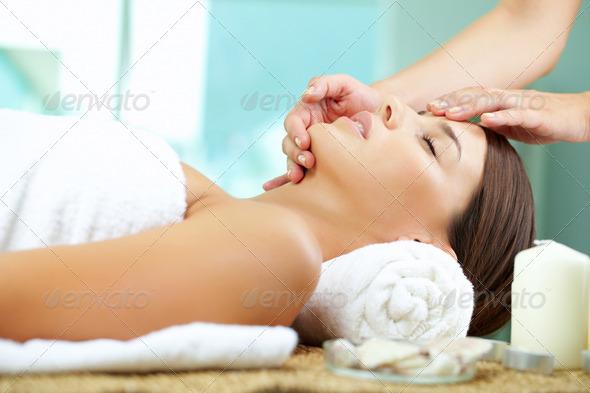 PhotoDune Massaging face 787805