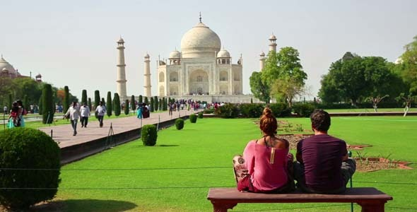 Tourist Couple Traveling India Taj Mahal