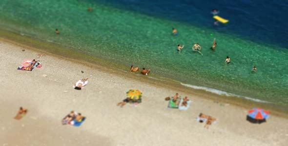 Swimming With Miniature Effect 2