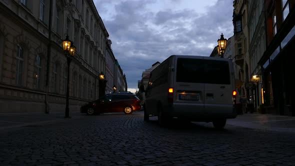 Prague City - Vanha kaupunki - katu, People, Autot - Kaupunki Arkistofilmit