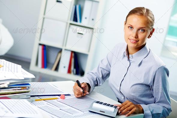 PhotoDune Successful accountant 835418