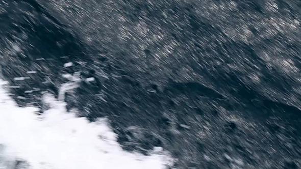 Water Waves Crashing