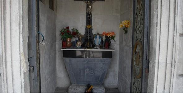 Cemetery 62
