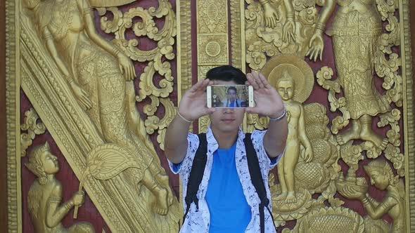VideoHive Man Selfie With Temple's Door 18721990